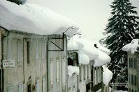 Bareges_les_toitures_le_03-02-1986_J_S_Gion_-s