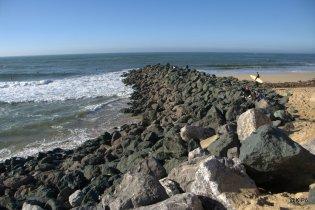 la mer envahie par les blocs