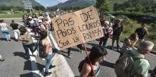 les-manifestants-ont-distribue-des-tracts-et-ralenti-la-circulation